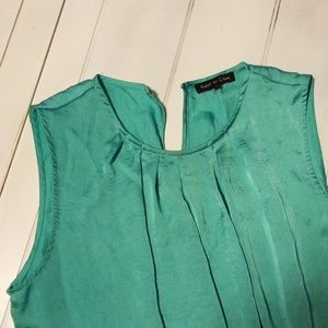 Violet & Claire Tops - Sleeveless Blouse